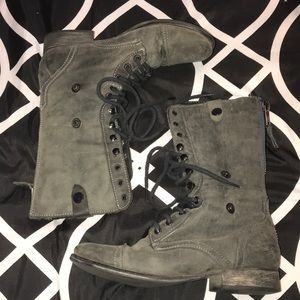 Steve Madden Combat Blue zippered